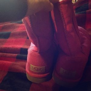 Pink uggs